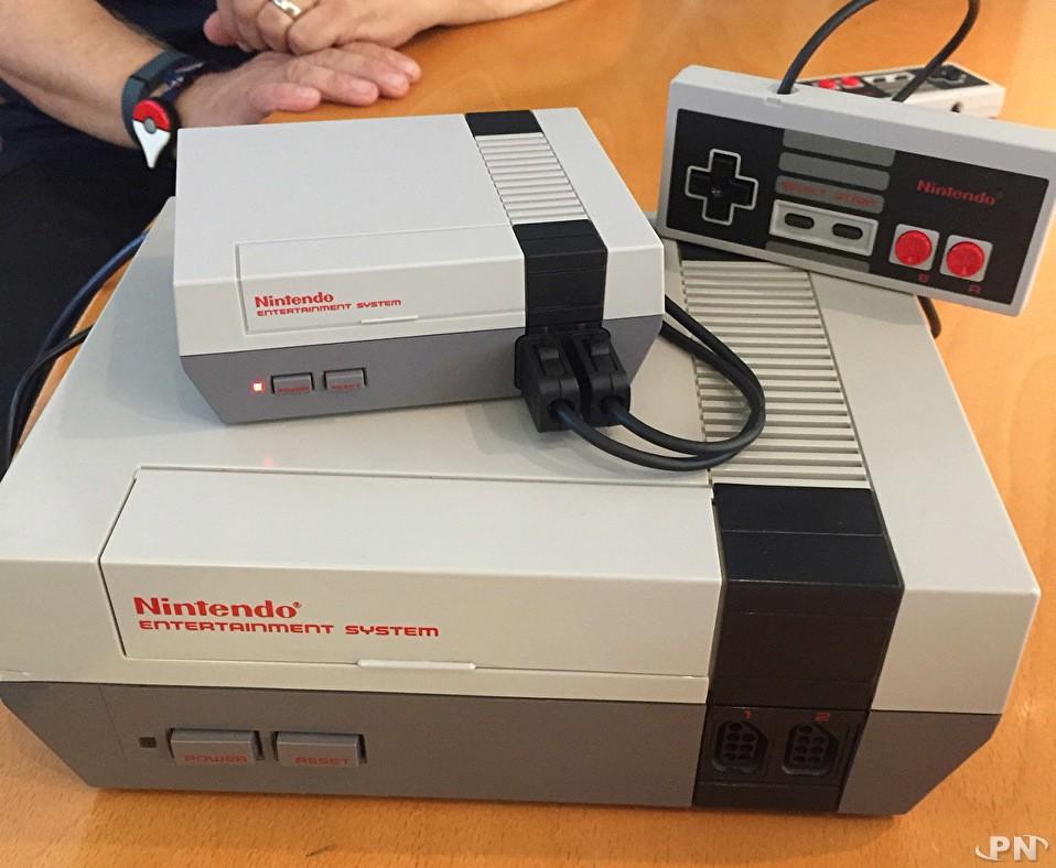 La NES Mini et sa vieille soeur, la NES !