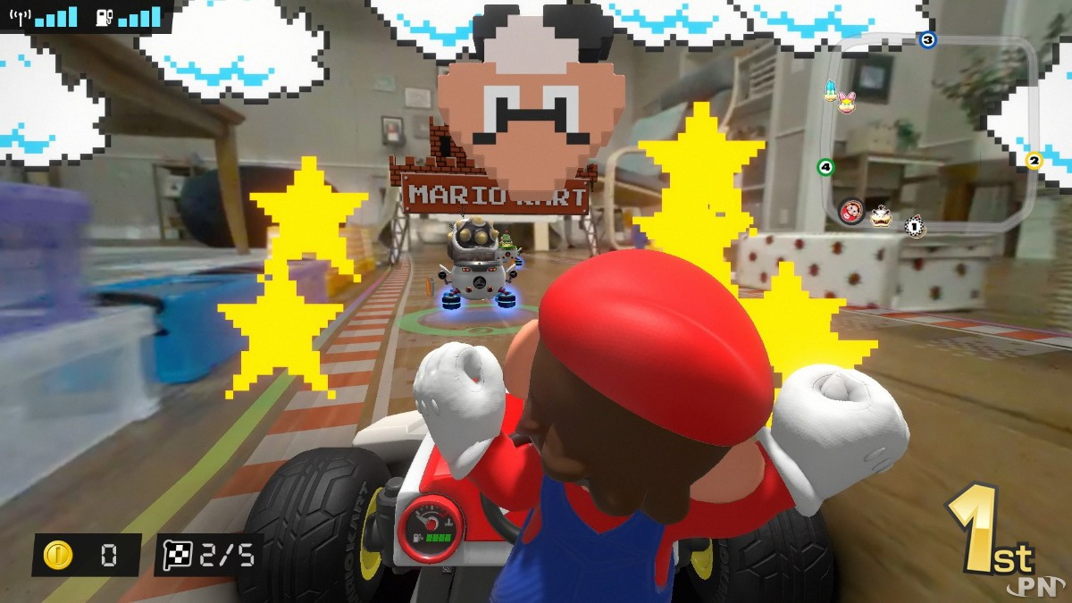 Sympa cet environnement 8 bits dans Mario Kart Home Circuit